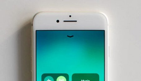 Màn hình True Tone của iPhone 8 Plus