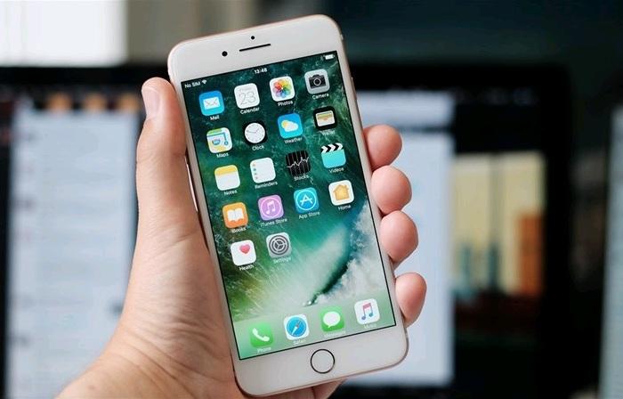 Việc thao tác với tần suất nhiều thường khiến iPhone 7 Plus nhanh nóng và hết pin sớm